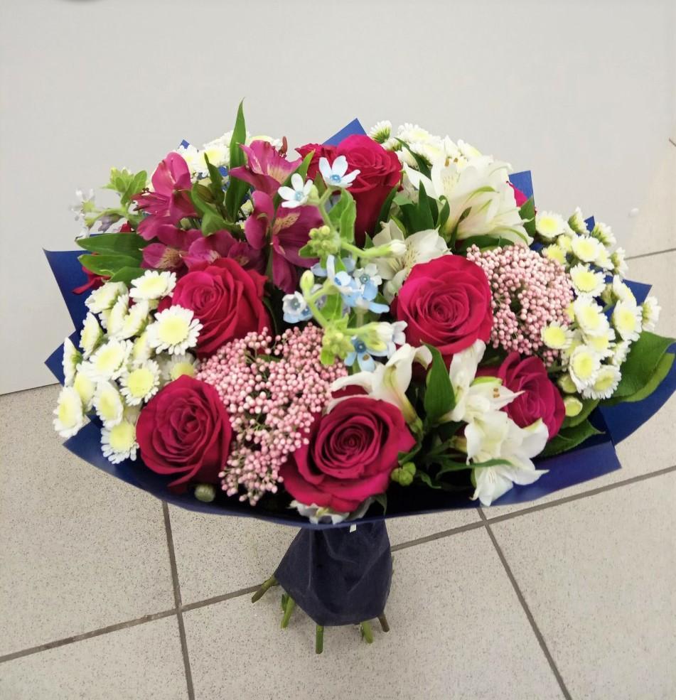 Букеты подарок, доставка цветов собрать букетов