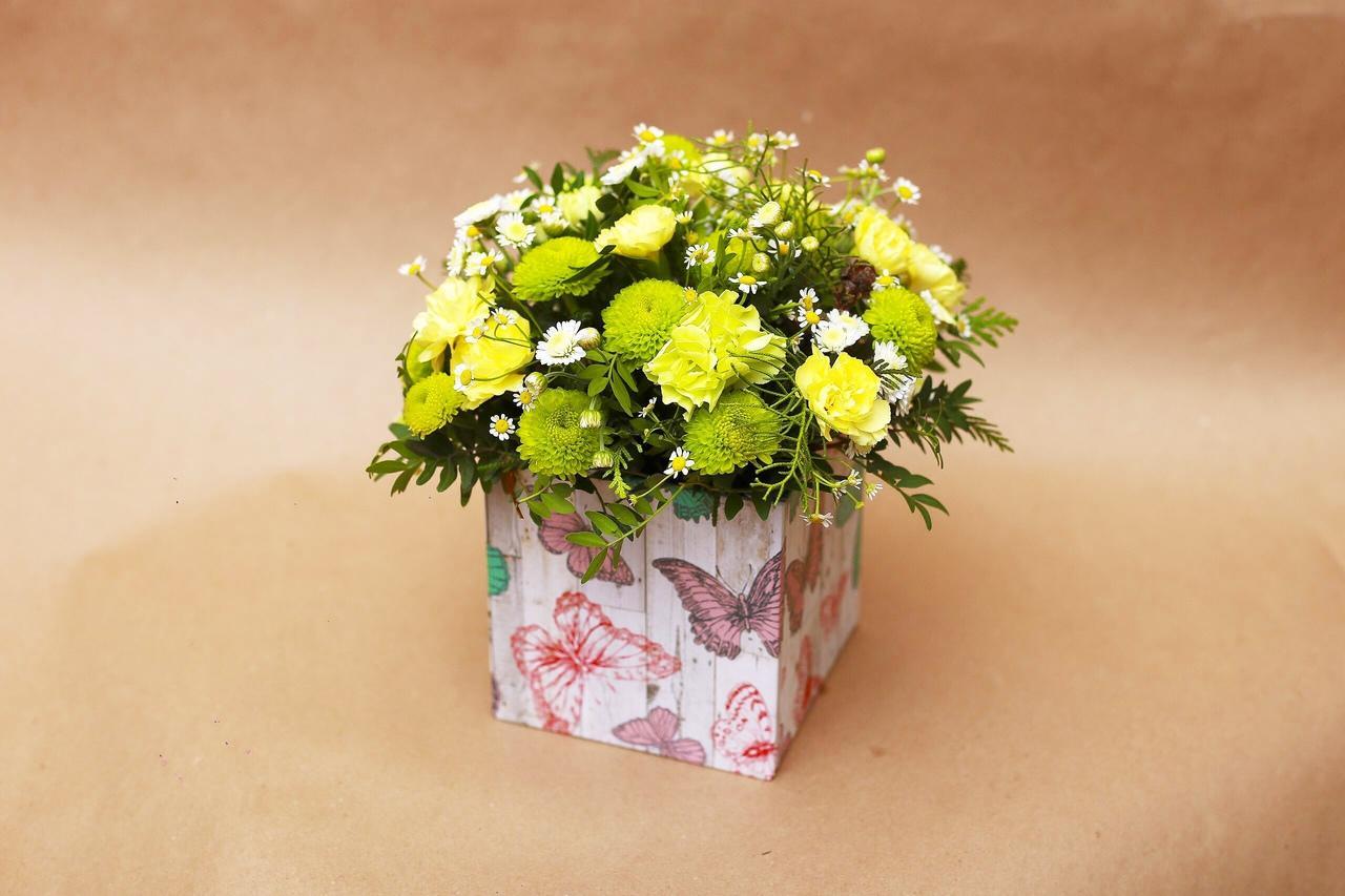 Заказать цветы в коробке красноярск, букеты цветов